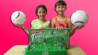 Challenge Game table football I Челлендж Игра Настольный футбол I Играют девочки