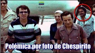 Foto de Chespirito con Pablo Escobar circula en las redes sociales