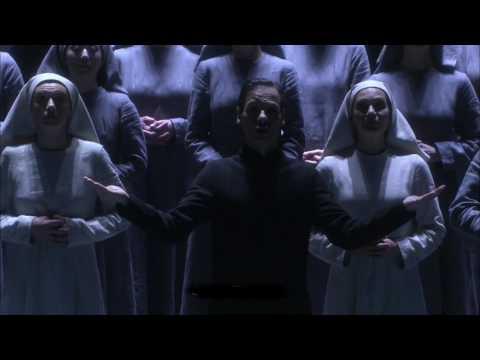 Retour de la production de l'opéra de Poulenc saluée à sa création en 2013 pour ses interprètes et pour la lecture visionnaire d'Olivier Py. Au Théâtre des Champs-Elysées du 7 au 16 février 2018.