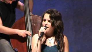 ANDREA MOTIS canta MY ONE AND ONLY LOVE