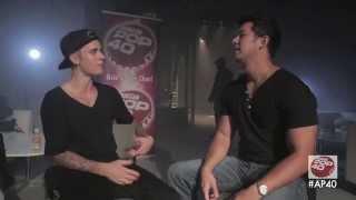 Джастин Бибер, Dom Lau interviews Justin Bieber backstage in Hong Kong