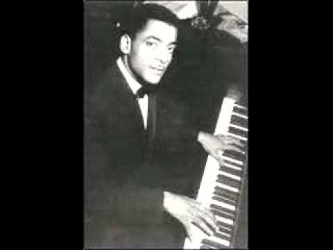 "Teddy Wilson plays ""Liza"" (All The Clouds'll Roll Away)"
