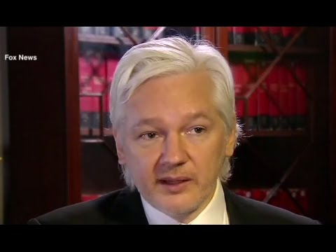 Wikileaks' Assange Backs Trump in Russia's Hacking Role