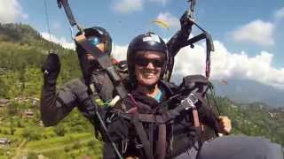 preview picture of video 'Paragliding above Pokhara in Nepal. Spectacular views of Himalaya'