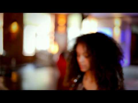 Skreatch feat. John Green - Roxanne's Lullaby