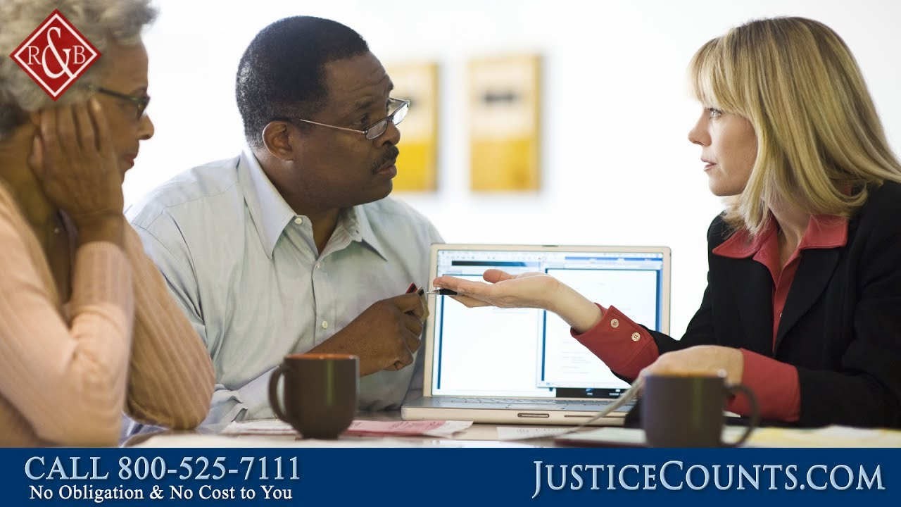 Should I Hire a Personal Injury Lawyer Who Has Insurance Experience?