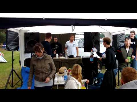 Schnapsbecher Wettrennen @ Airbeat One 2011 C1-Base Camp