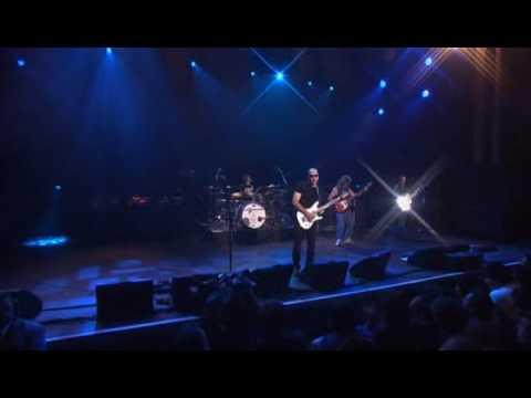 Joe Satriani - Flying In A Blue Dream (Satriani LIVE!) online metal music video by JOE SATRIANI