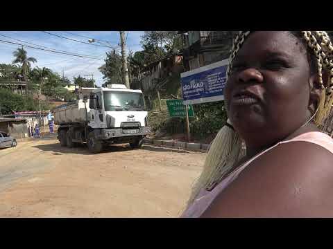 Asfalto na Favela dos Brancos em Juquitiba deixa feliz a Dona Euza