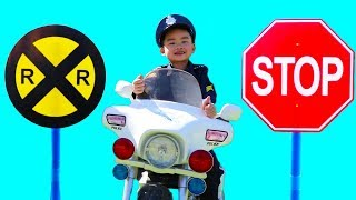 Police Lyndon Pretend Play with Traffic Signs
