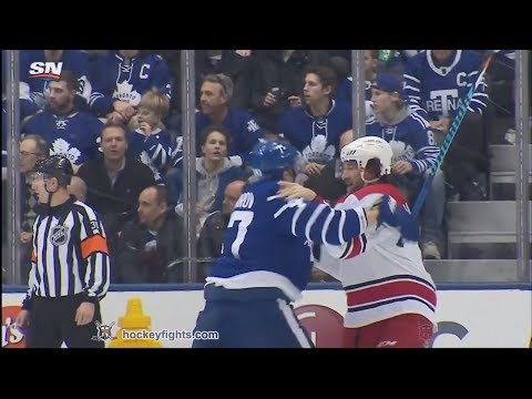 Leo Komarov vs. Justin Williams