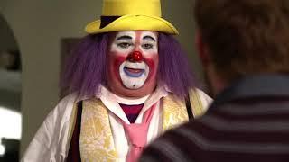 Modern Family 1x09 - Meet Fizbo the Clown