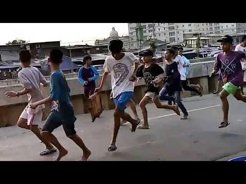 Download Masih SD dan SMP udah Tawuran di Jalanan Raya Sampai dilerai Gojek HD Mp4 3GP Video and MP3