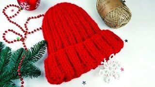 Объемная теплая шапка резинка спицами из толстой пряжи с отворотом