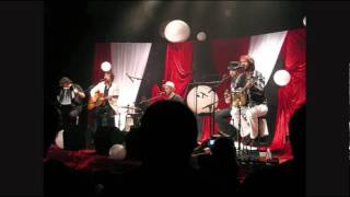 I Feel The Rain (live) - The Trews.wmv