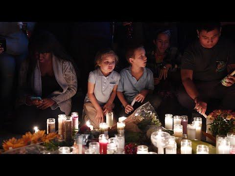 Vigils held across US for Las Vegas shooting victims –video