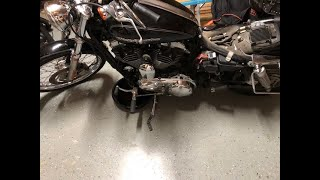 CHANGING THE OIL IN MY COPART SALVAGE HARLEY! DOESN'T GO AS PLANNED...VERY MESSY!!!