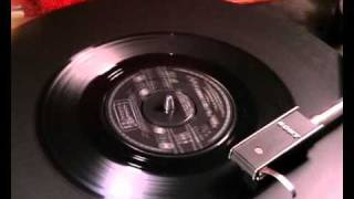 The Easybeats - Made My Bed ~ Gonna Lie In It - 1966 45rpm