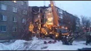 Разбор завалов обрушившегося дома в поселке Шахан Карагандинской области