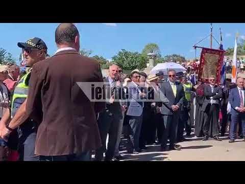 Αποδοκιμασίες και μπουκάλια στον Βαρεμένο, στην παρέλαση στη Μελβούρνη— «Προδότες» φώναζαν (βίντεο)