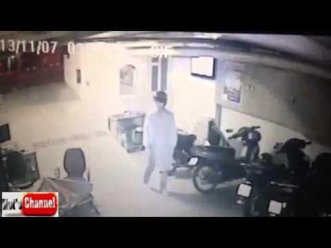 Trộm vào nhà lấy xe như chốn không người