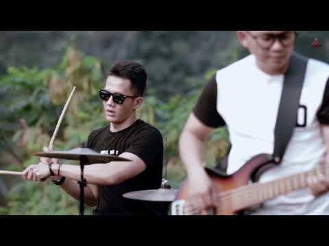 Dadali Lihat Ku Disini Official Video