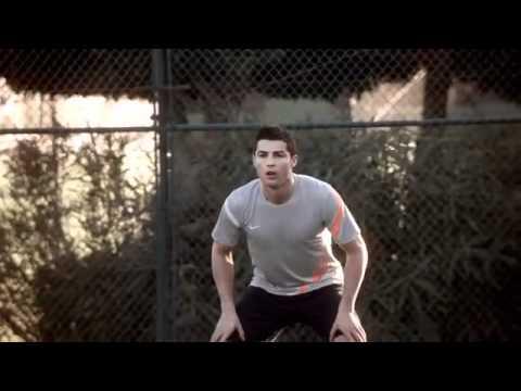 Cristiano Ronaldo vs Rafa Nadal. Kẻ 8 lạng người nửa cân.