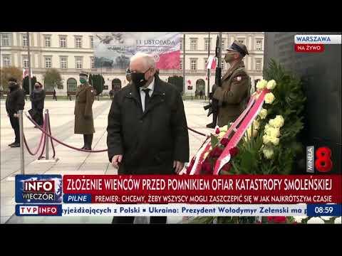 TVP przerywa program, bo Kaczyński poprawia szarfę na miesięcznicy.