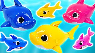 The Shark Family Sing and Swim in the fishbowl~! Let's play with Pinkfong! | PinkyPopTOY