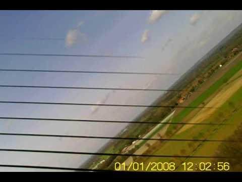 Modelvliegclub Columbia - test met motorzwever boven Sint Anthonis