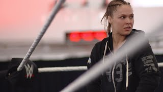 Ronda Rousey trains for four hours straight at WWE's Performance Center - Video Youtube