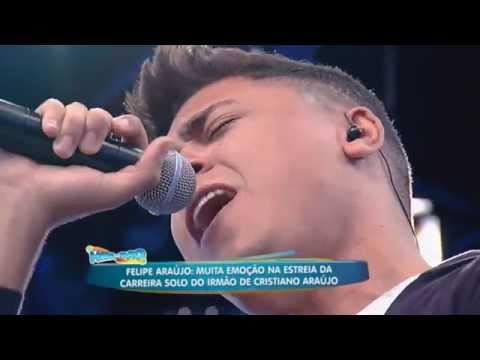 Emocionado, Felipe Araújo não segura as lágrimas em passagem do som com música de Cristiano
