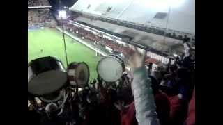 preview picture of video 'Hinchada de Union de Santa Fe. En Avellaneda 27/05/12'