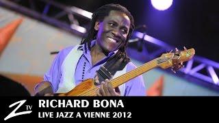 Richard Bona - Engingilaye - LIVE HD