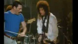 Queen - A kind of magic (Brian and Roger talks)
