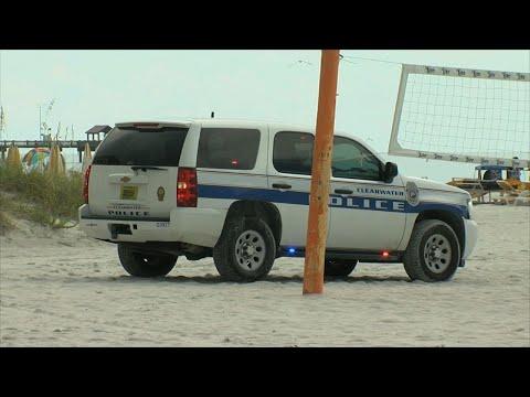 Authorities: Lightning hurts 8 at Florida beach