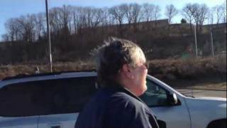 Woman goes insane over minor accident and threatens police