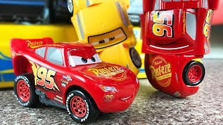 Cars 3 Toys Race and Reck Lightning McQueen Cruz Ramirez - Revvin Action Mack Truck hauler