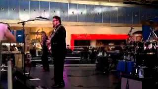 Chris Isaak Blue Christmas Live From T5
