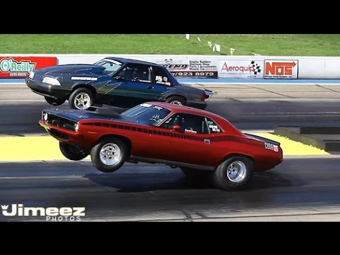 Drag Yarışı 1970 Hemi Cuda ile 1993 Mustang karşı karşıya