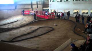 preview picture of video 'Tillsonburg Indoor Offroad Shootout 2011 Qualifying 8th Electric with Kevin Taylor'