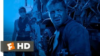 Mad Max: Fury Road - Max Retaliates