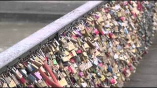 Raw: Tourists Lock Love on Paris Bridge