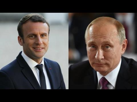 Macron uvítal ruského prezidenta Putina v sídle francouzských králů ve Versailles
