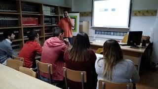 Manuel, ex-Erasmus+,  motiva a los alumnos y les cuenta dónde buscar empresas, alojamientos, ...