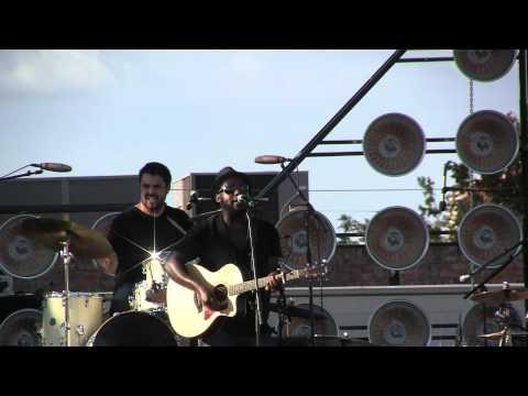 Modmobilian.com: Gregg Fells Live At Bayfest 2011
