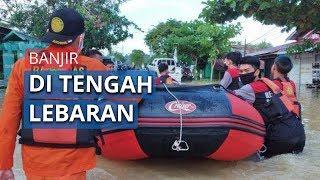 Hari Raya Idulfitri Warga Samarinda Harus Berjuang Melewati Banjir Setinggi 1 Meter