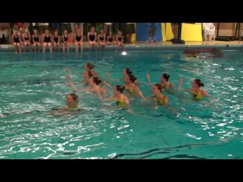 Demonstratie Synchroonzwemmen NK ploeg bij Vivalo Gennep