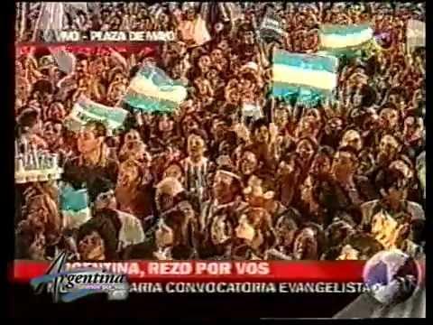 Argentina Oramos por Vos en Plaza de Mayo 2002