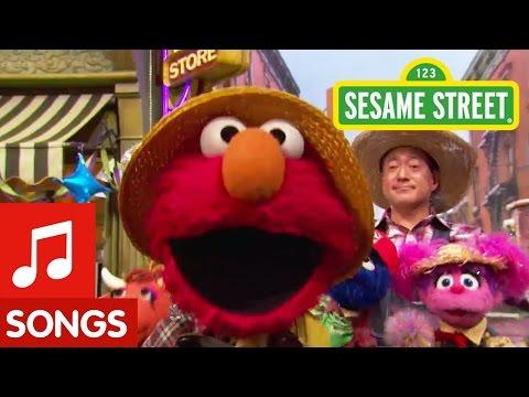 Sesame Street: Elmo Sings Old Macdonald Had a Farm